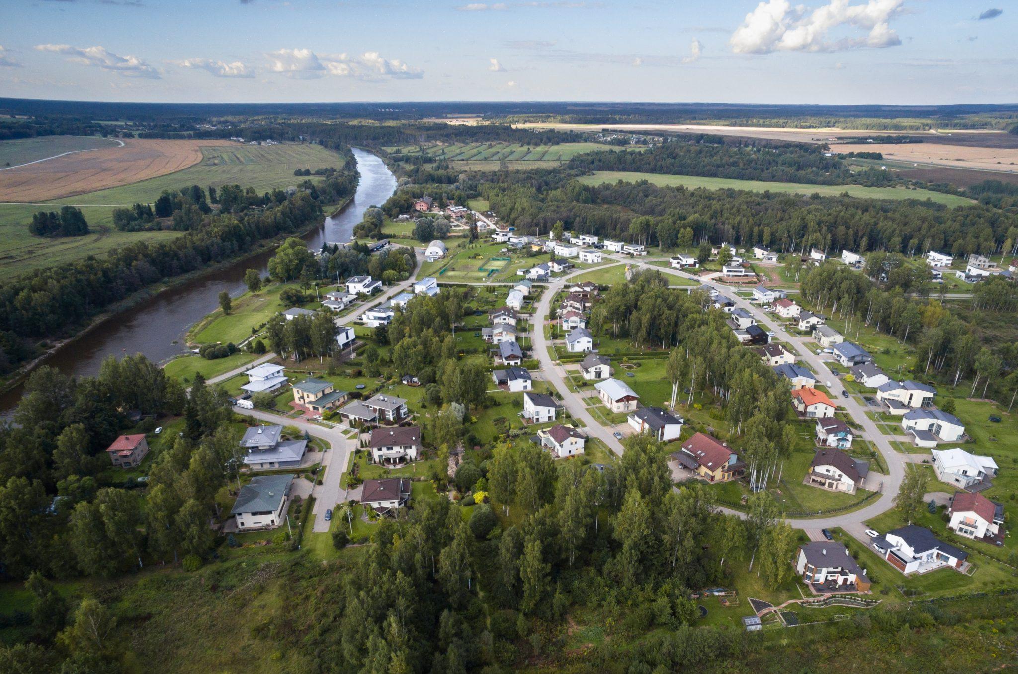 Tartu populaarseimas uuselamurajoonis Kvissentalis algab teede ehitus